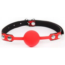 Красный кляп-шарик с черным регулируемым ремешком