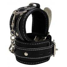 Черные регулируемые наручники с подкладом на карабинах